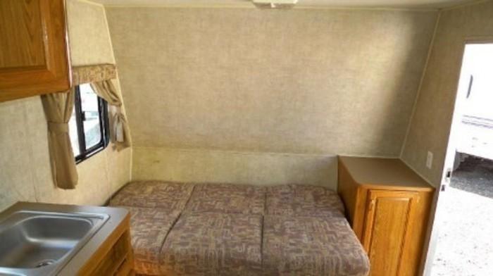 Fleetwood-trailer-rental-couchbed