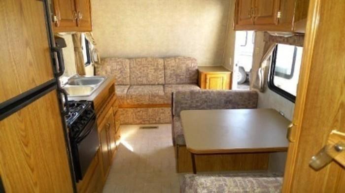Fleetwood-trailer-rental-interior