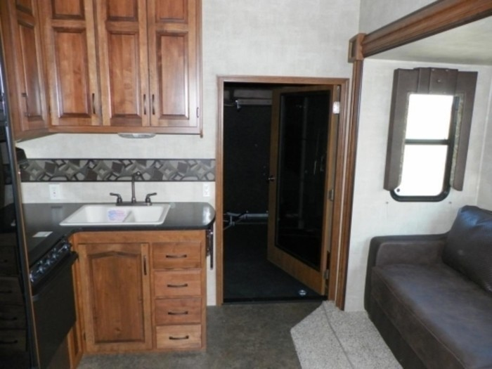 Raptor-entrance-to-rear-bed-area-533x400