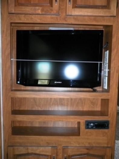 Raptor-main-tv-300x400