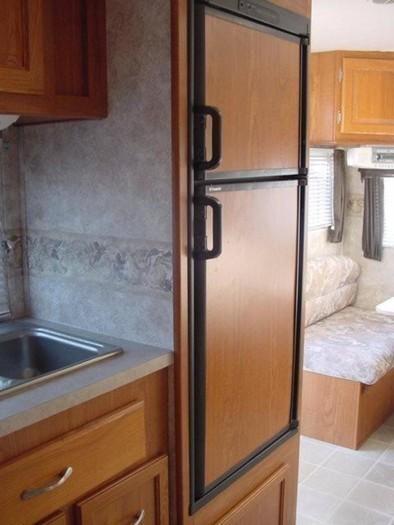 Coachman-refrigerator-2