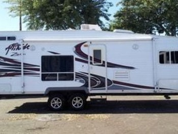 2008 Eclipse Attitude Motor Home Toy Hauler Rental In
