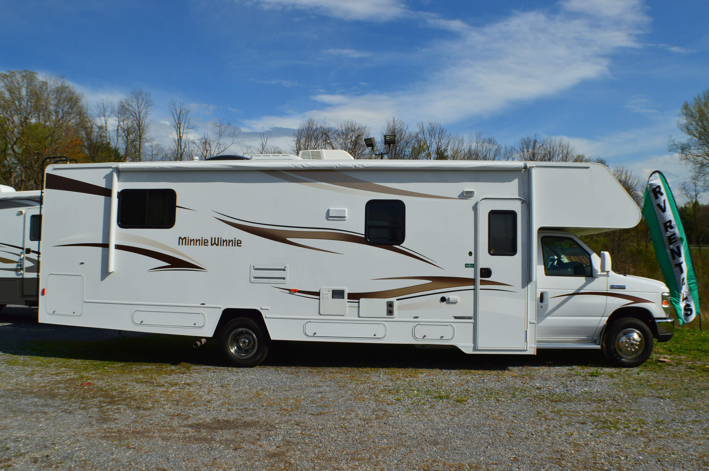 2014 Winnebago Winnie 31k Motor Home Class C Rental In Rvngo