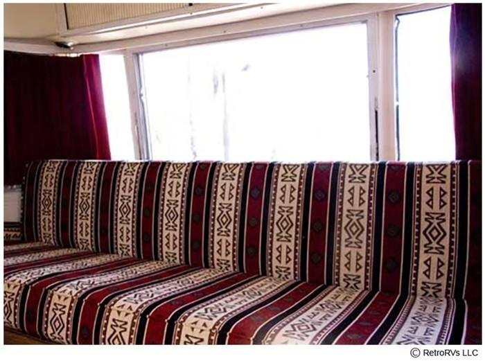 73sfari couch front
