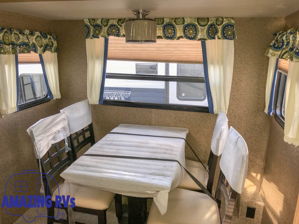 RV-Rentals in Houston, TX - 2017 Travel-Trailer Gulf-Stream