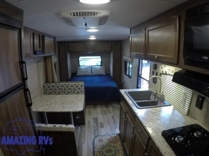 2018 coachmen clipper 21bh-12