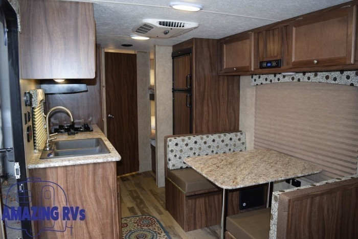 2018 coachmen clipper 21bh-11