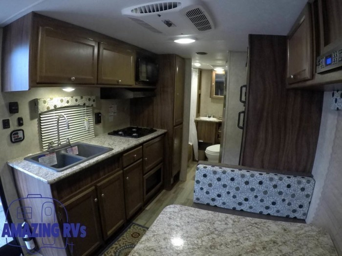 2018 coachmen clipper 21bh-13