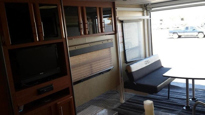 Forest-river-xlr-30-toy-hauler-for-rent-rv-rentals-phoenix-az-going-places-rv-006