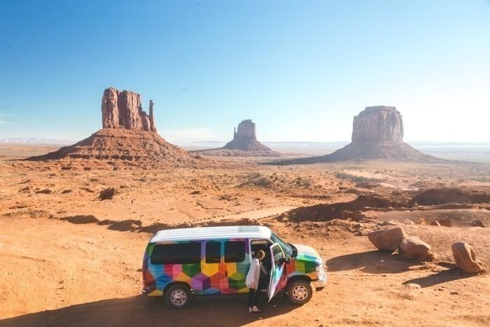 Monument-valley-escape-campervans