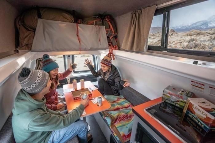 Hitop-kuga-campervan-lifestyle-86