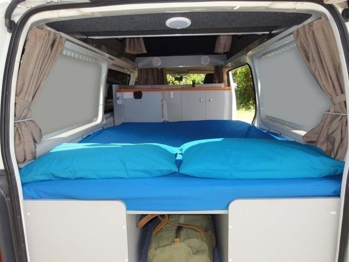 Hitop-kuga-campervan-sleeping-area-2-1