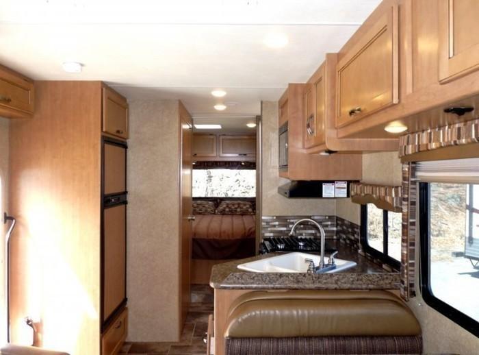 29-ft-motorhome-rental-interior-5
