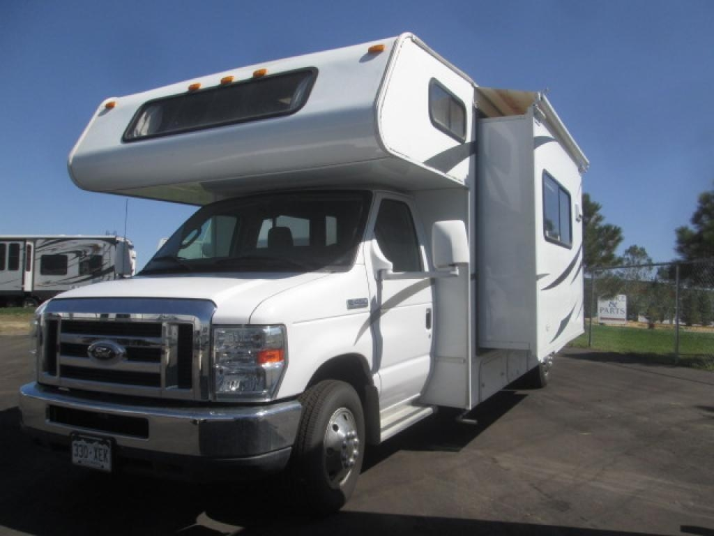 2012 Coachmen Freelander Motor Home Class C Rental In El