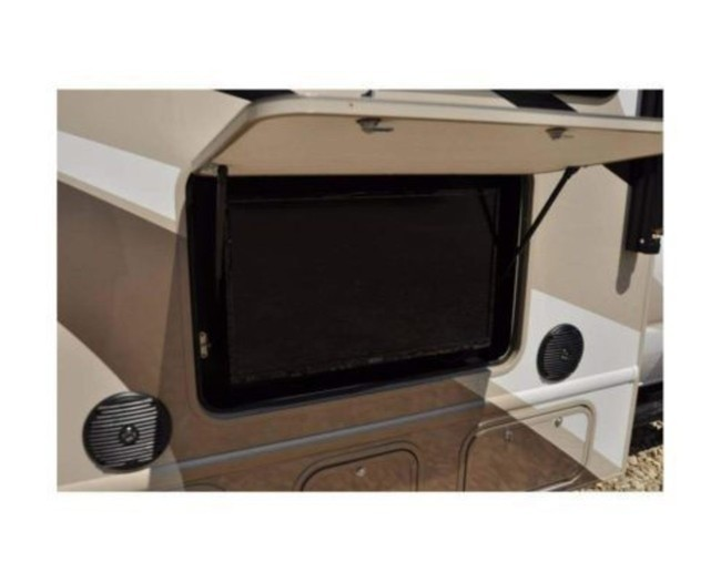 Rv-rental-thor-quantum-tv-outdoor-495x400