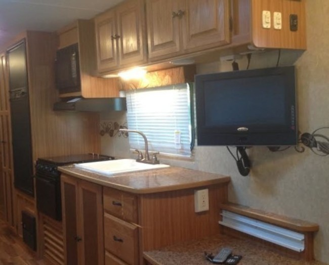 Camper-rental-kitchen-495x400