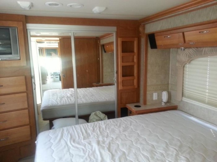 34bounder bedroom