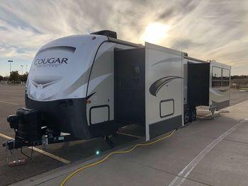 2018 Keystone Cougar 33SAB Half Ton - Travel Trailer RV on RVnGO.com