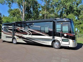 2010 Tiffin Tiffen 38.8' - Class A RV on RVnGO.com