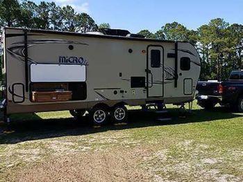 2018 Flagstaff Micro Lite 25FKS - Travel Trailer RV on RVnGO.com