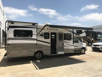 2015 Forester 2701ds - Class C RV on RVnGO.com