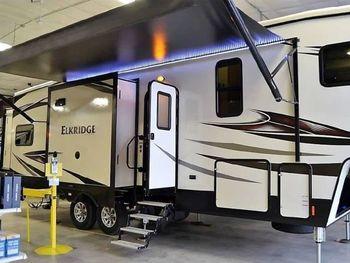 2017 Heartland Elkridge - Fifth Wheel RV on RVnGO.com