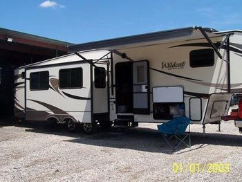 2017 Forest River 26BH - Fifth Wheel RV on RVnGO.com