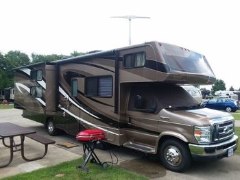2012 Forest River Sunseeker 3170DS - Class C RV on RVnGO.com