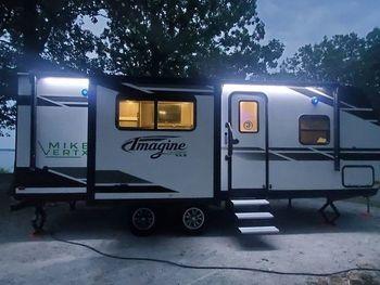 2021 Grand Design Imagine XLS 22RBE - Travel Trailer RV on RVnGO.com