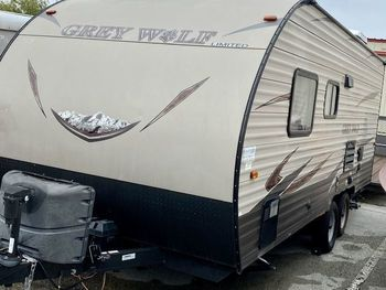 2016 Forest River Cherokee Grey Wolf - Travel Trailer RV on RVnGO.com