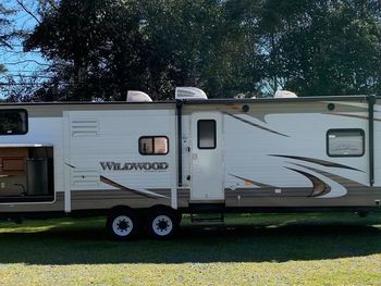 2015 Forest River 36' Wildwood II Bunkhouse 36' - Travel Trailer RV on RVnGO.com