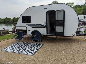2021 Braxton Creek Bushwhacker Plus 17FD - Travel Trailer RV on RVnGO.com