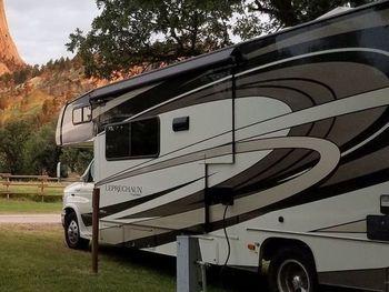 2020 Coachmen Leprechaun 31' - Class C RV on RVnGO.com