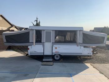 2003 Coleman Grand Tour Utah CP - Pop-Up Camper & Other (Non-Motorized) RV on RVnGO.com