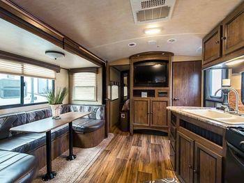 2018 Cruiser Rv 2400BH MPG - Travel Trailer RV on RVnGO.com