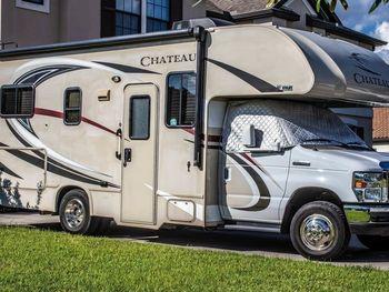 2017 Thor Motor Coach Chateau 23U - Class C RV on RVnGO.com